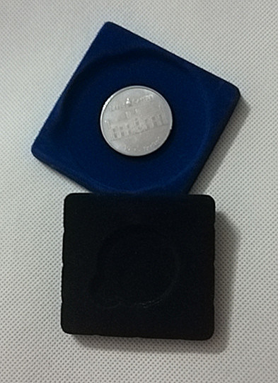 Square Plastic Box with Clear Lid and Velveted Insert