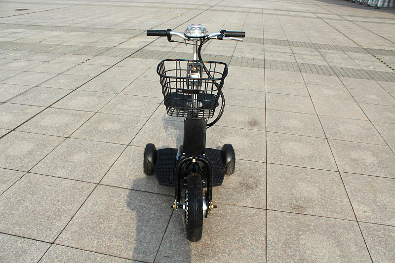 Portable Compact Mobility 3 Wheels Travel Electric Scooter Foldable Easy Carrying Knee Walker