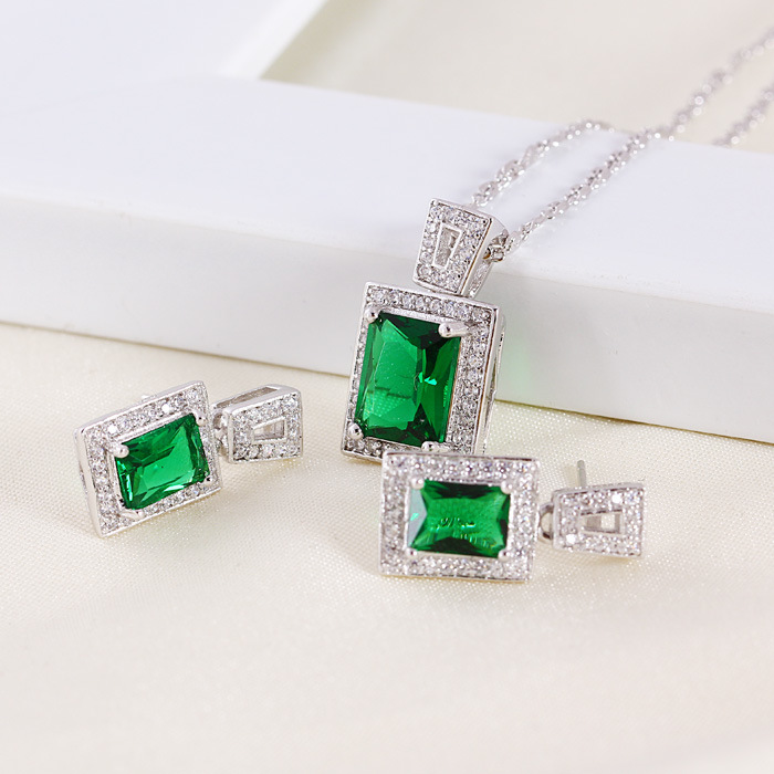 Xuping Fashion Luxury Square Jewelry with Rhodium Plated (61102)