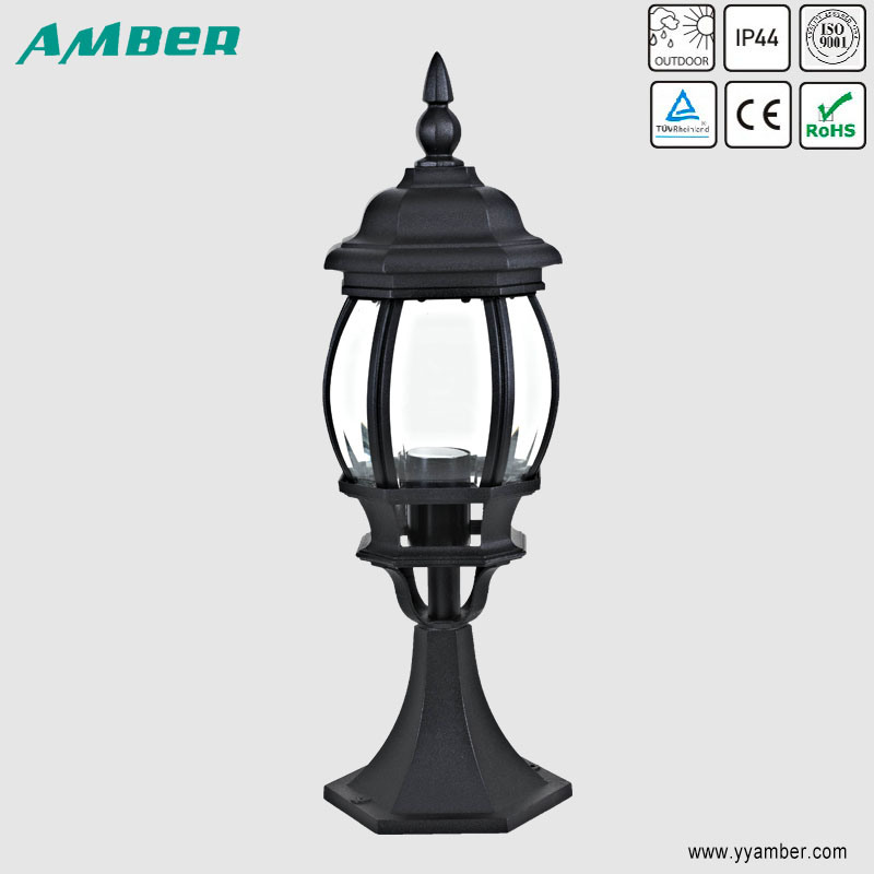 Ce/RoHS IP44 60W Outdoor Garden Post Light