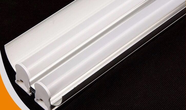 Factory Direct Sell 18W T5 Tube with Fastener Ce RoHS Approved High Lumen