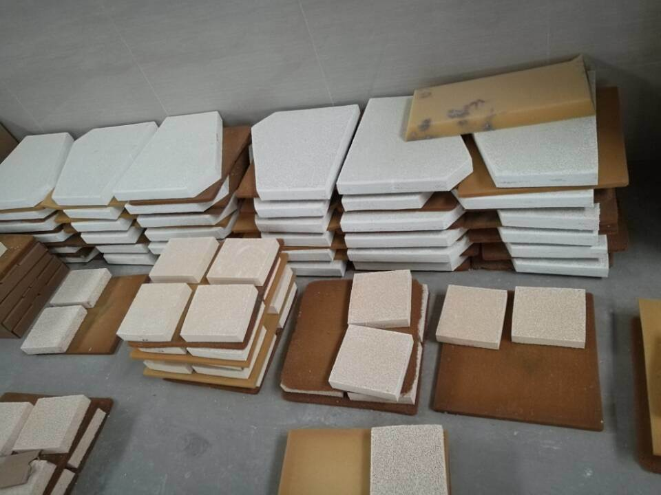 Sic/Alumina/Zirconia Porous Ceramic Foam Filters for Iron Casting