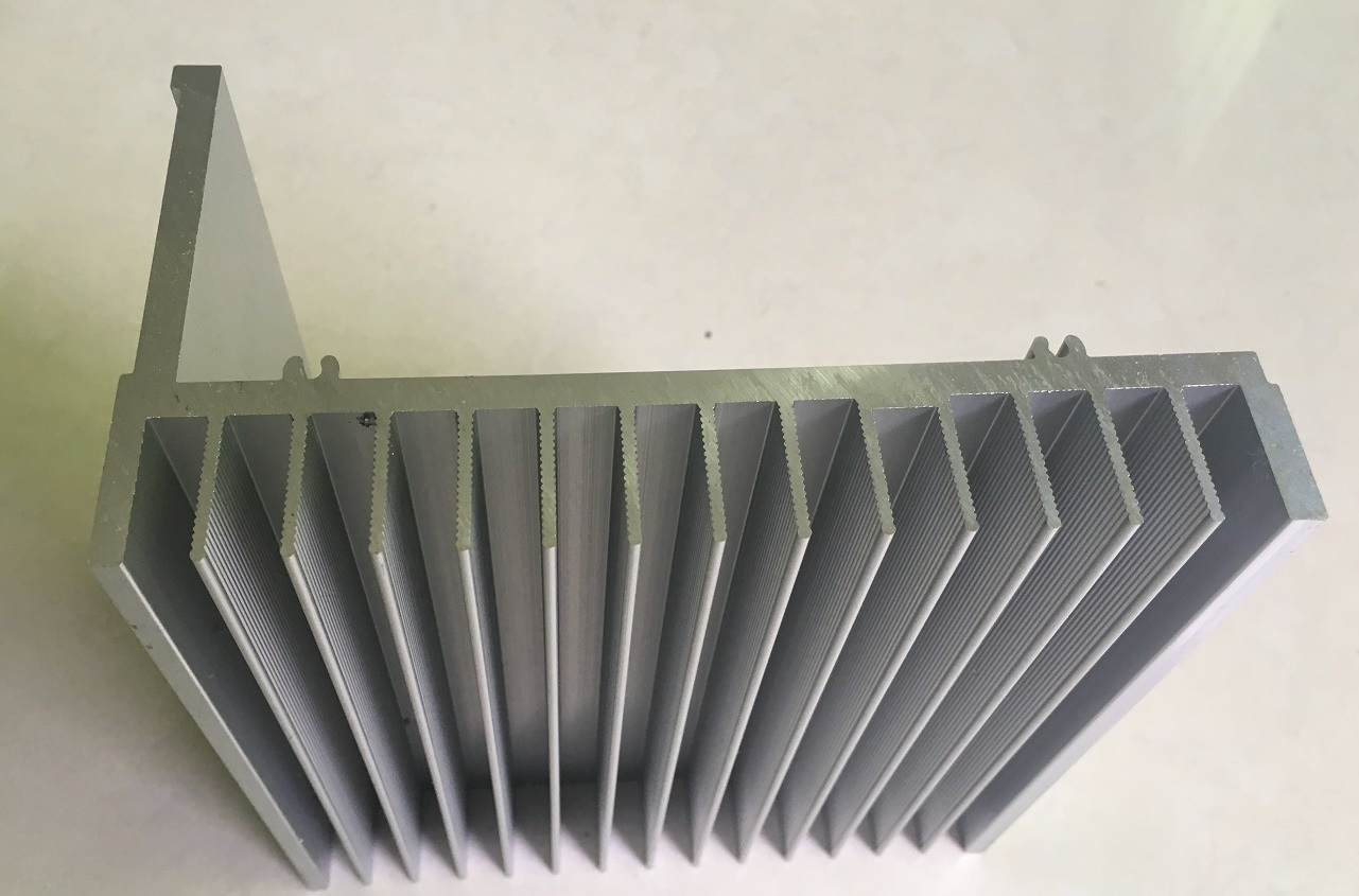 Aluminum/Aluminium Extrusion Profiles of Heat Sink for Industrial