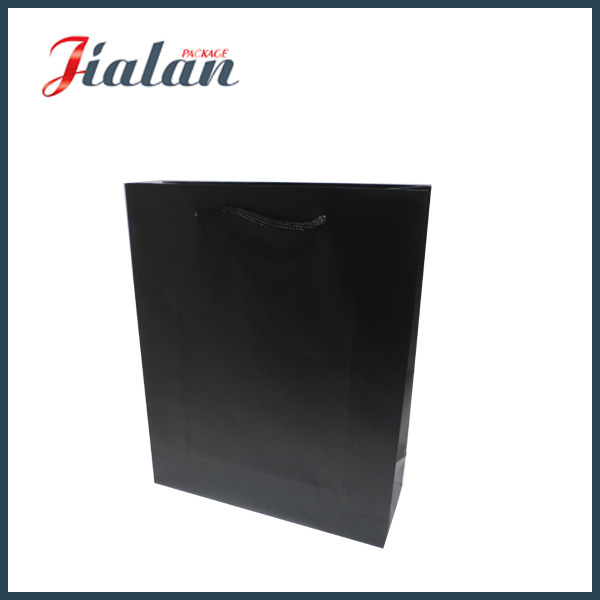 Wholesale Black Paper Printed Gift Packing Shopping Carrier Gift Bags