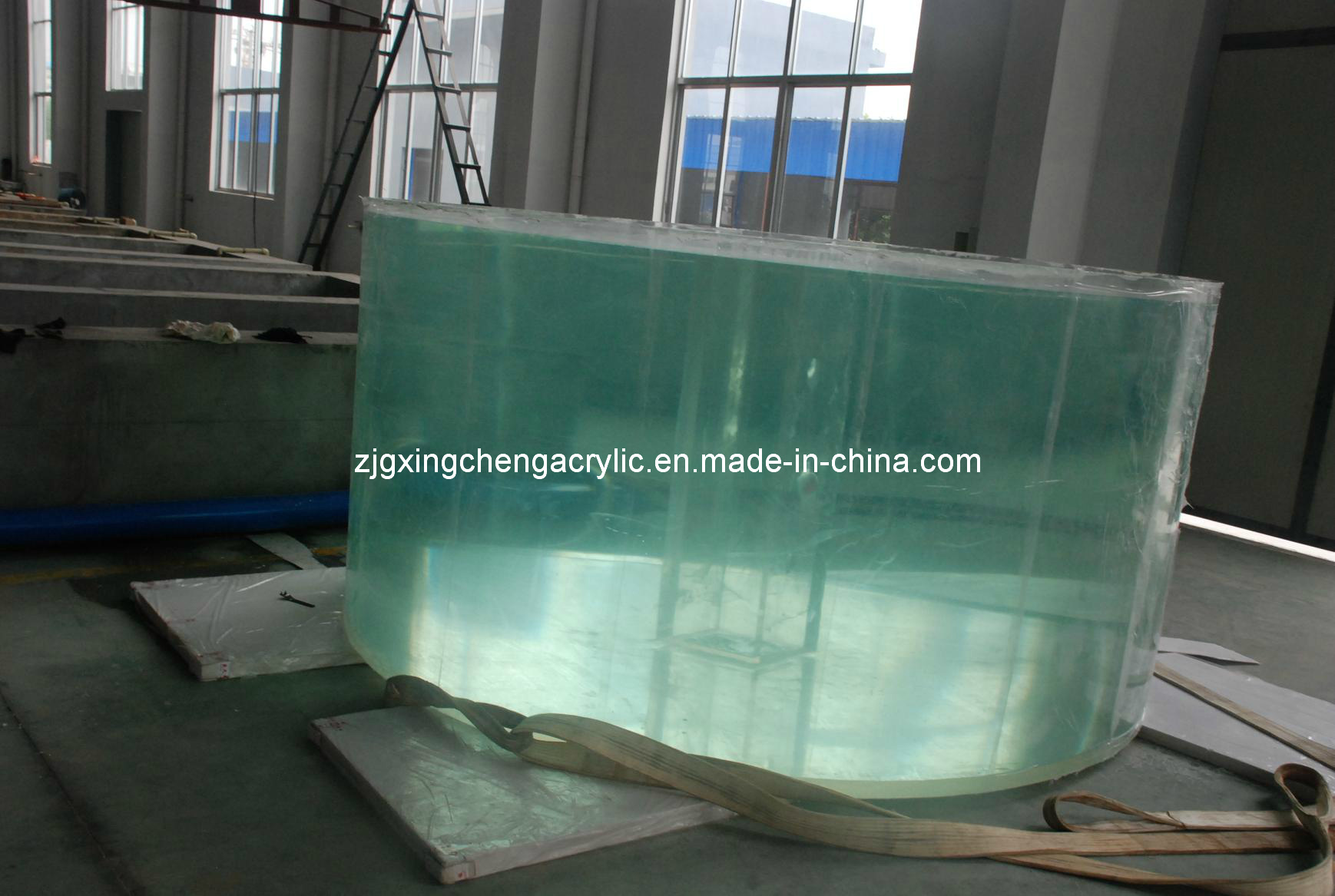 China acrylic fish tank photos pictures made in for Plastic fish tank