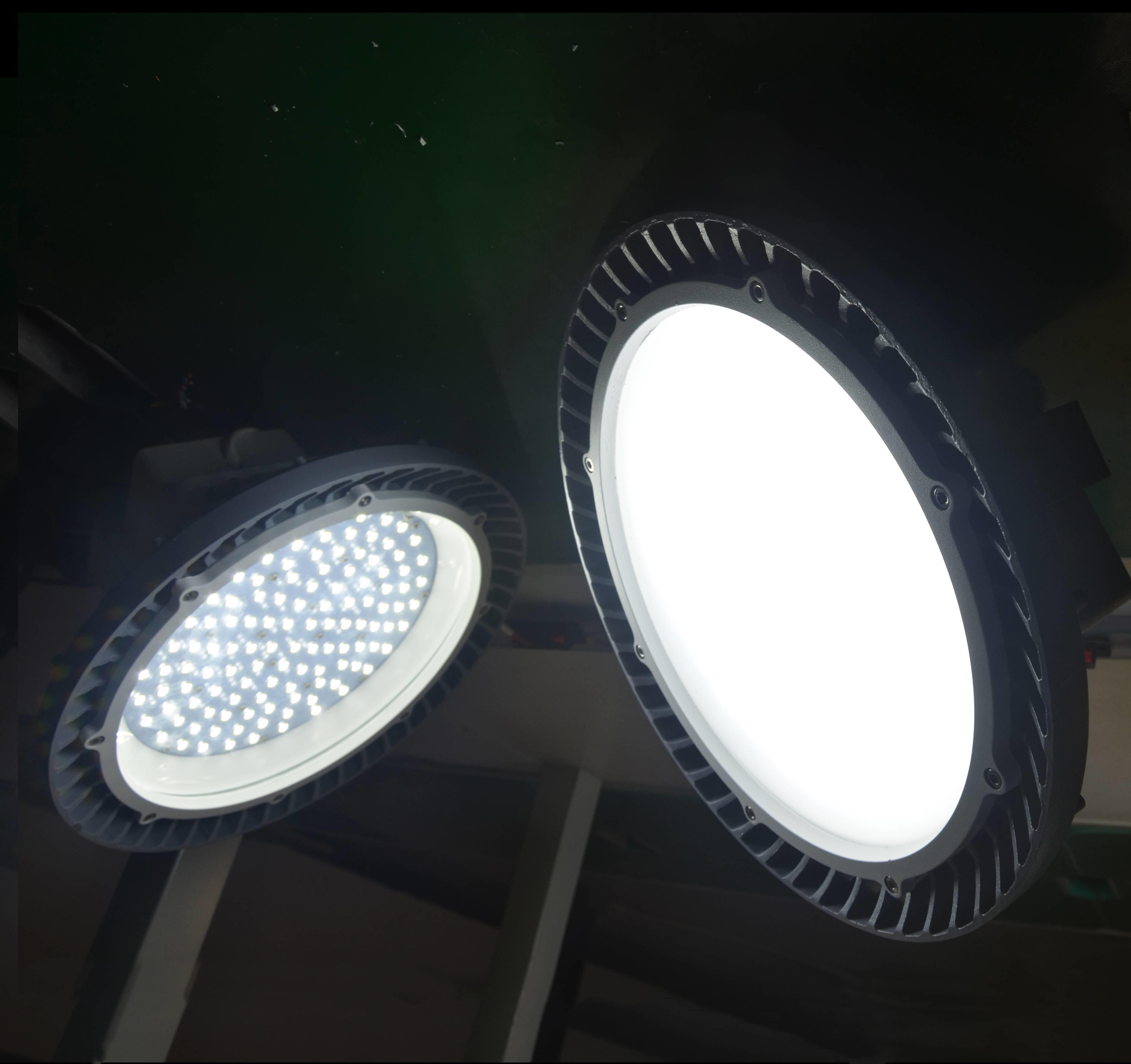 100W-180W UFO Dimmable High Bay Light (BFZ 220/100 60 Y)