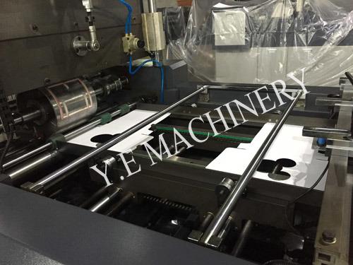 PLC Control Carton Window Film Patching Machine with Angle Cutting