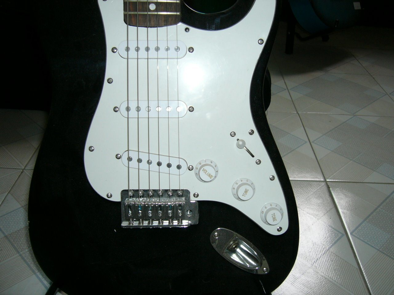 Solid Wood Electric Guitar