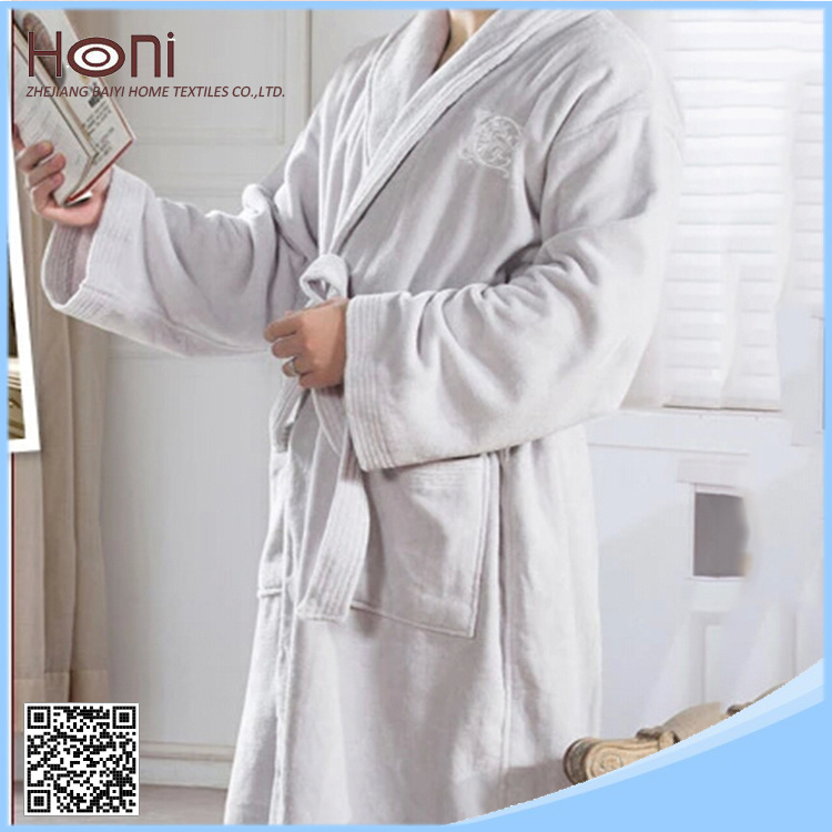 Luxury 100% Cotton Plain Hotel Bathrobe with Embroidered Logo