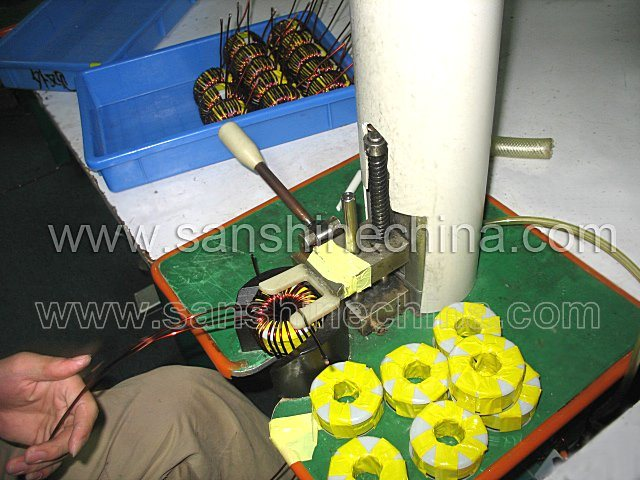 Semiautomatic Toroidal Coil Winding Machine (SS-200)