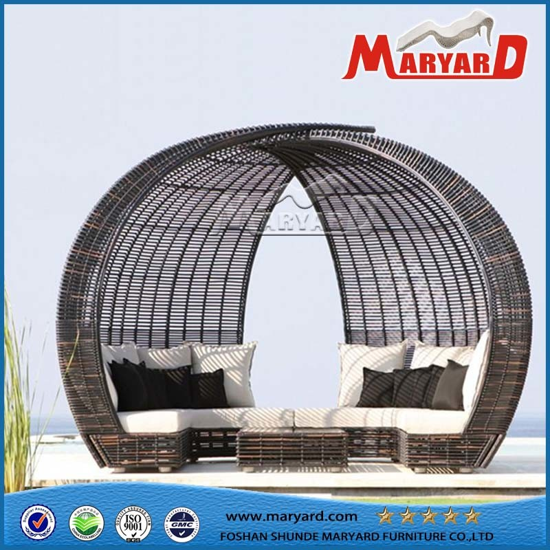 Outdoor Patio Rattan Sofa Bed Daybed