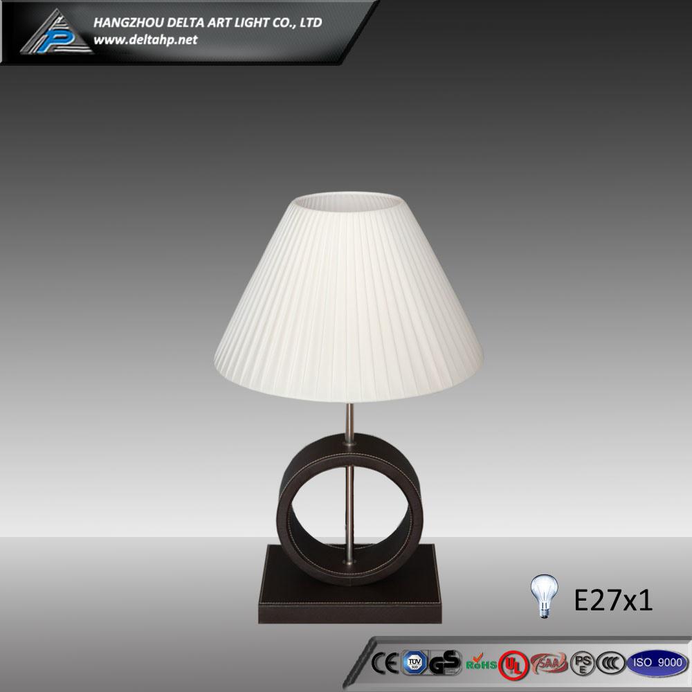 Modern Table Lamp Design Wooden Base (C5004108)