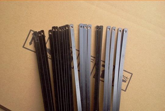 Boneless Wipers Using Steel Blade
