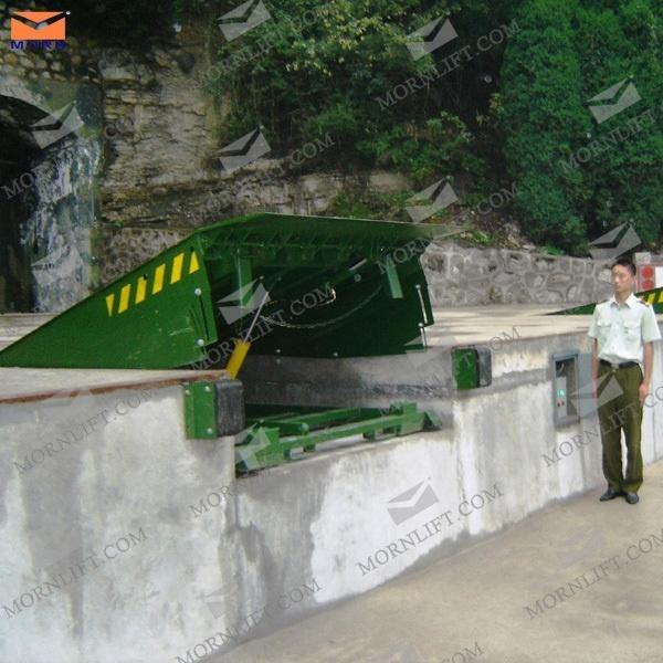 12 Ton Hydraulic Loading Ramp for Warehouse