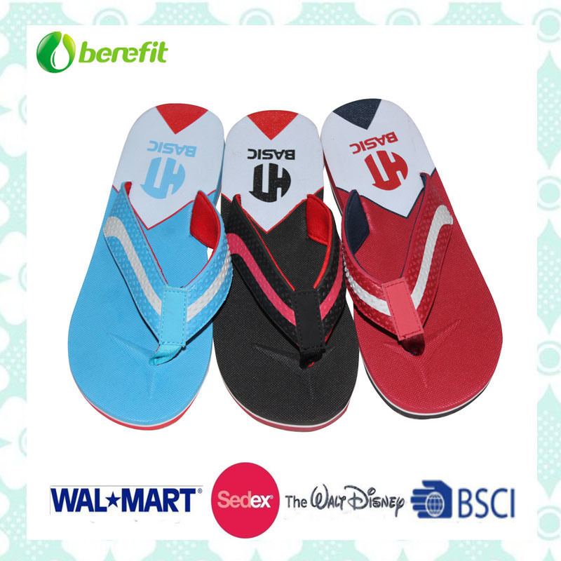 Three Color PU Straps, Soft and Beautiful, Mens′ Slippers