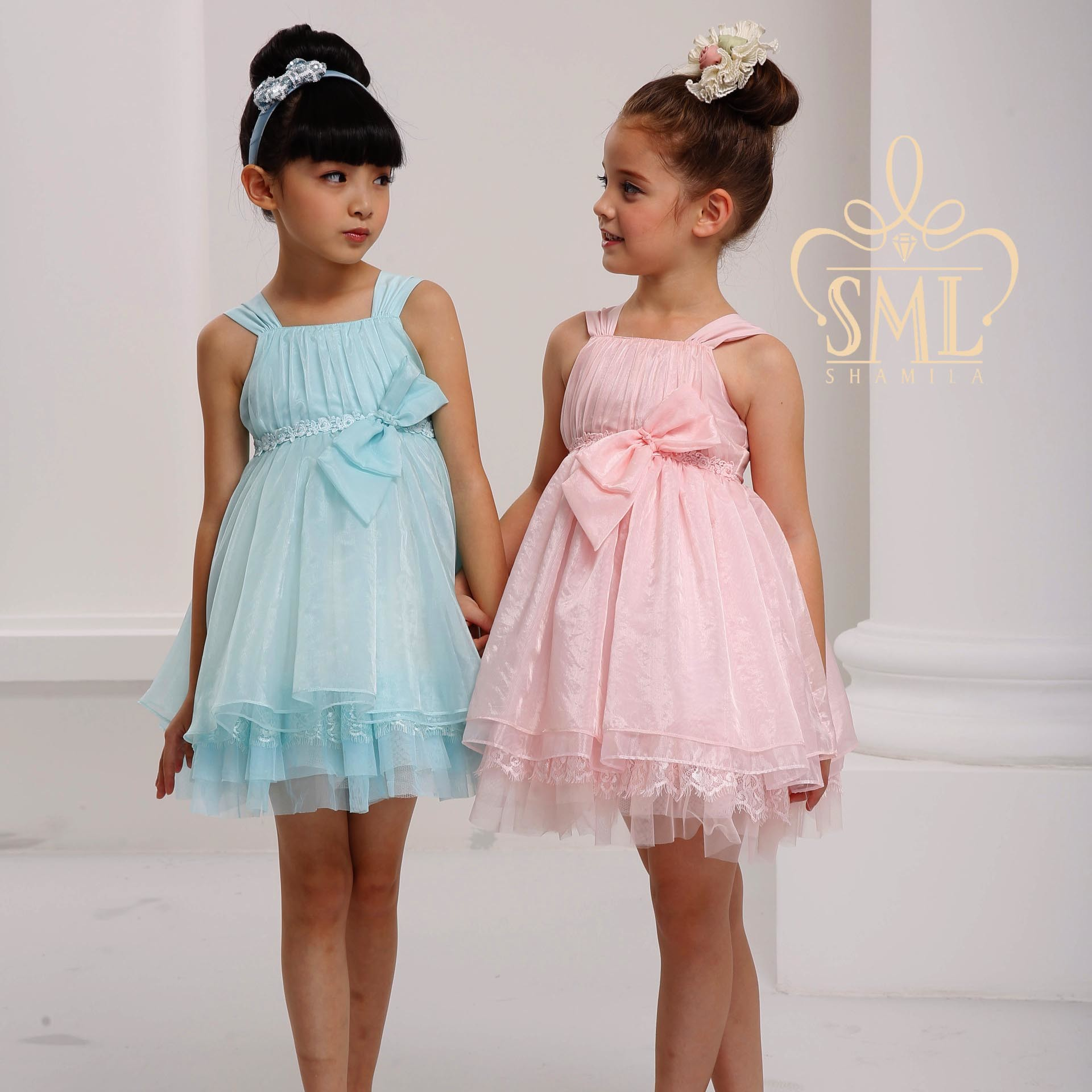 Dresses for little girls wedding for Wedding dresses for young girls