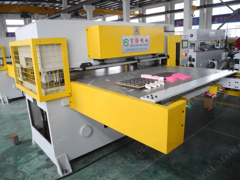 Automatic Double-Side Blister Packaging Hydraulic Cutting Machine/Automatic Cut Machine