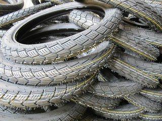 Factory Direct Supply Motor Tyre 300-18 YT-208 TT