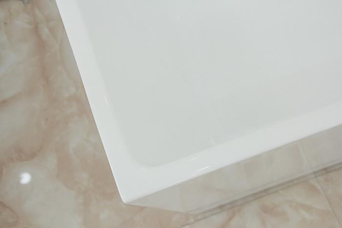 Australia Popular Square Seamless Acrylic Free Standing Bathtub
