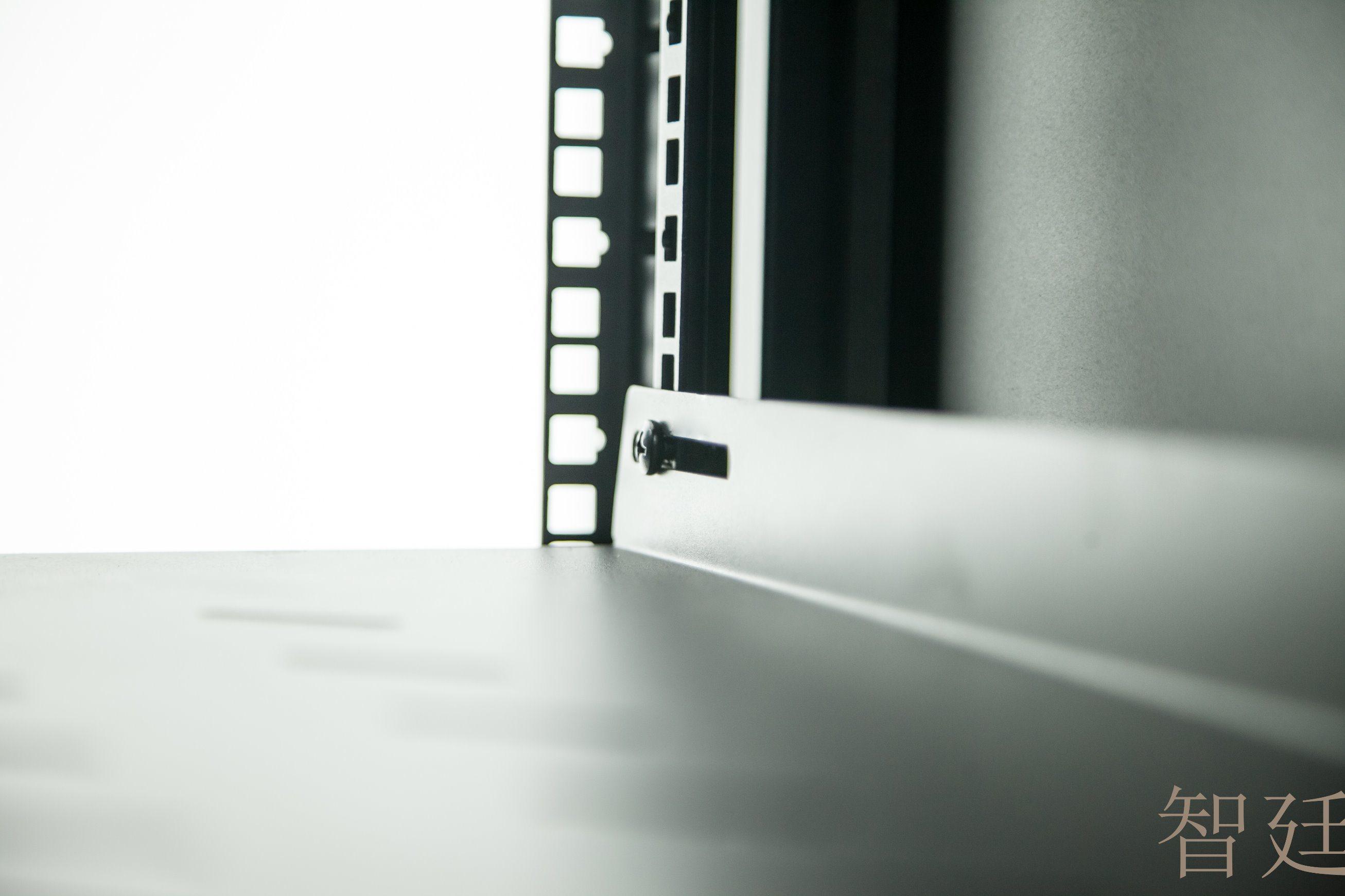 Cabinet Airflow Blocking Free-Installation Blind Plate