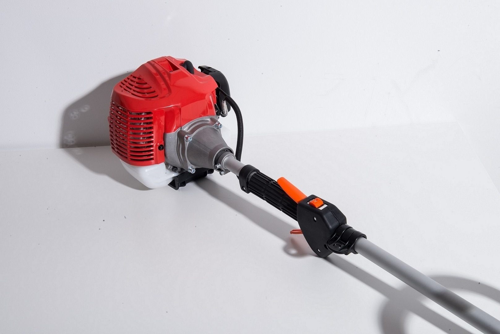 Brush Cutter Powered by Mitsubishi Gasoline Engine (TU33)