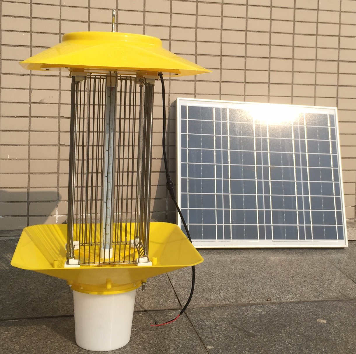 Solar Powered Mosquito/Insect Killer Lamp for Farm Pest Control