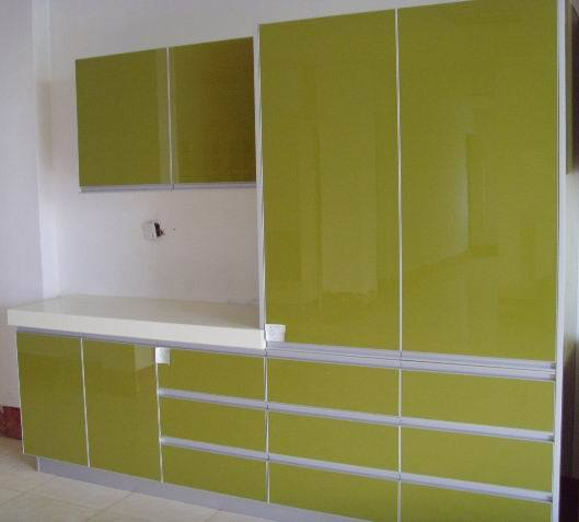 Gloss Kitchen Cabinet Doors: China UV High Gloss Kitchen Cabinet Manufacturers Photos