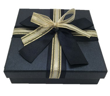 Handmade Gift Box with Silk Ribbon for Candy and Chocolate