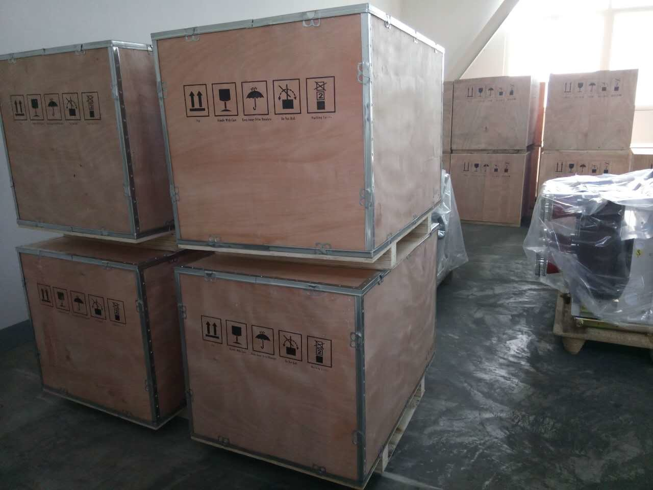 Vs1-12 Indoor High Voltage Vacuum Circuit Breaker (Vd4 Replaceable 100%)