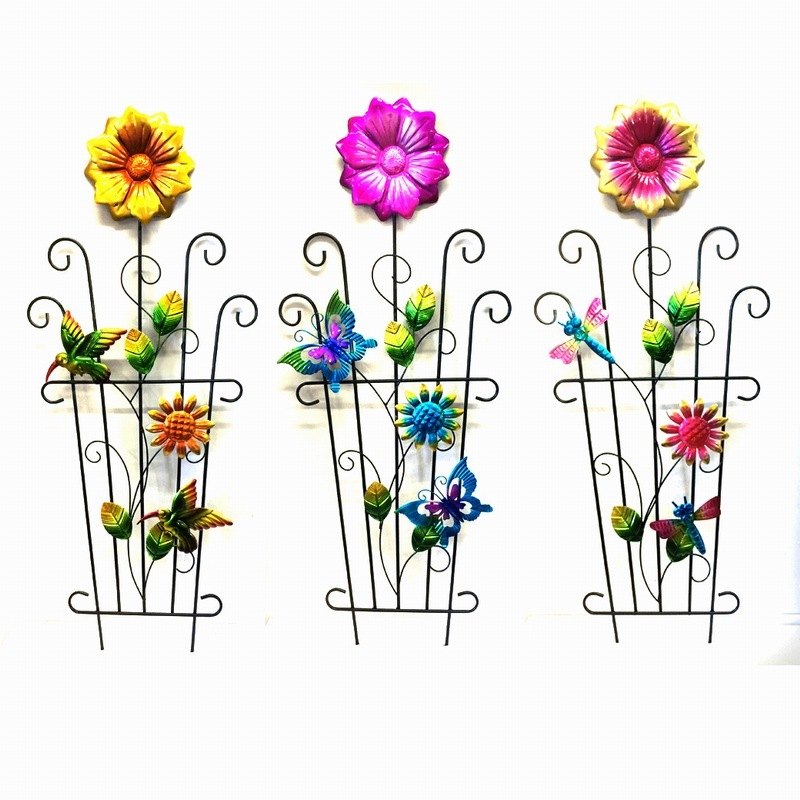 """Metal Garden Decoration Watering Can W. """"Welcome"""" Fence Craft"""