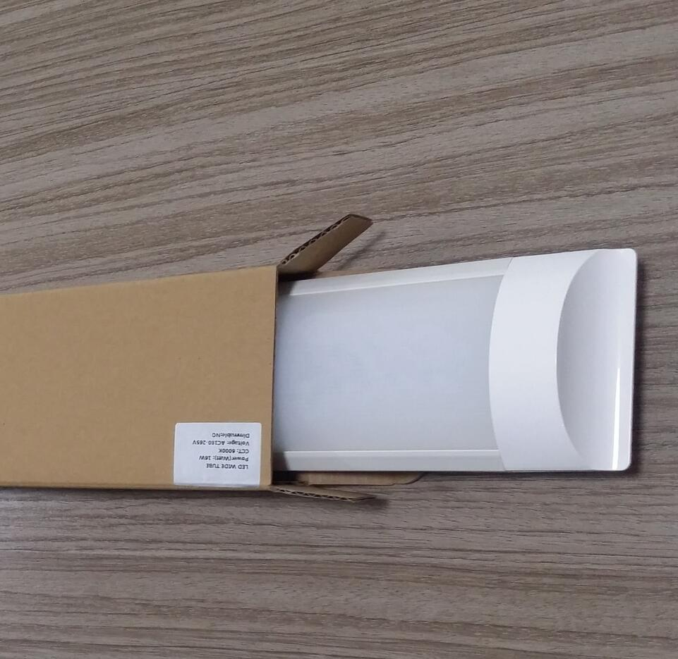 Ce RoHS 2 Years Warranty LED Wide Tube Light (WD-600-wt18W)
