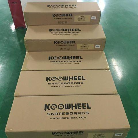Koowheel Electric Skateboard Four Wheel Longboard with Samsung Battery