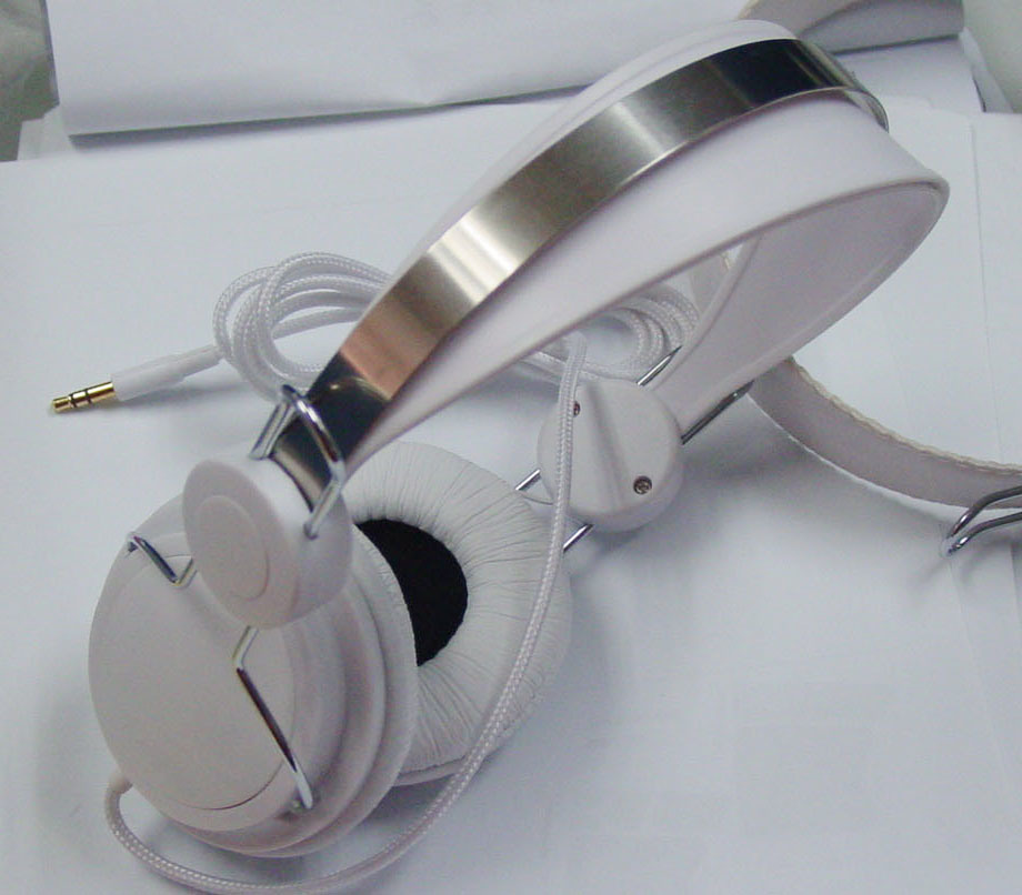 Noise Canceling Stylish Headphones