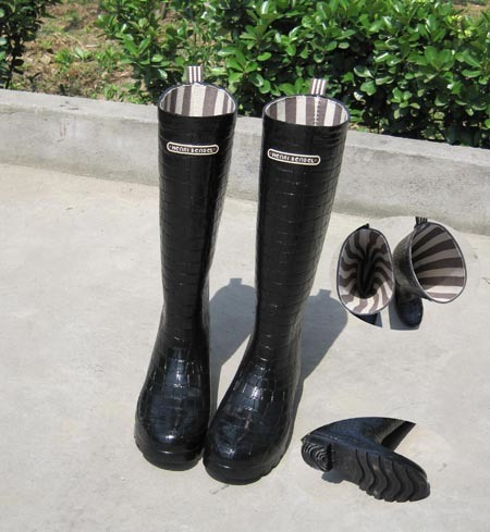 Womentall Patent Leather Aquatalia Rain Bootsfunky - celeb fashion