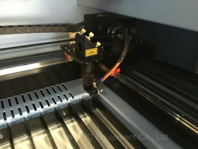Wood CNC Laser Cutting Engraving Machine with Ce Certification