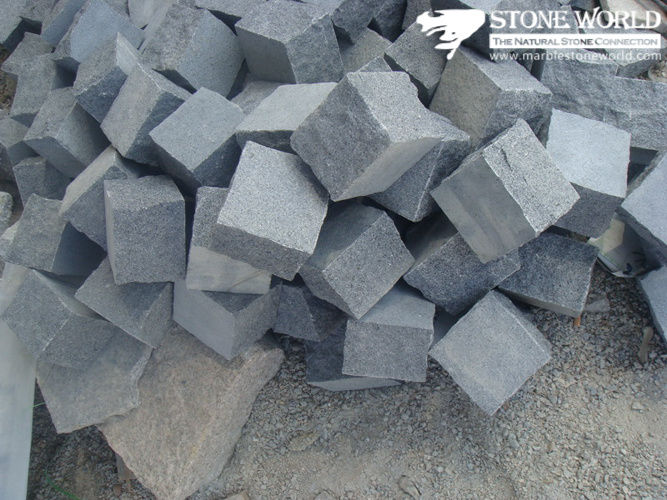 Natural Granite G654 Cobble Stone/Cube Stone for Pavement