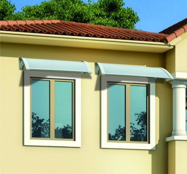 Retractable Awning with Aluminum Steady Bracket