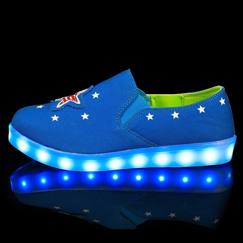 Fashionable Leisure Canvas Shoes and LED Shoes with 7 LED Lights in Stars