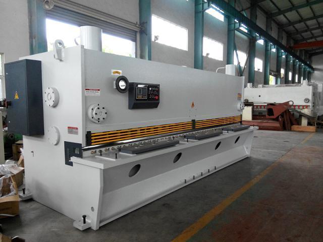 CE Standard Hydraulic Guillotine Shearing Machine, Nc Shear Model QC11y 13 X 4000