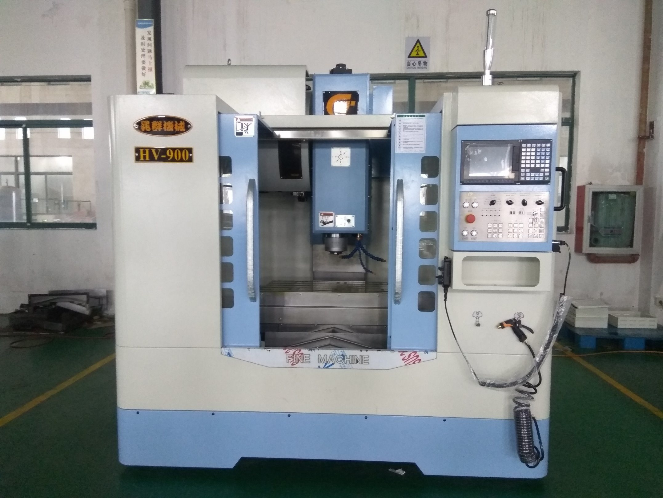 Hot Sale Univeral Vertical CNC Milling Machine with Strict Quality Control (HV-900)