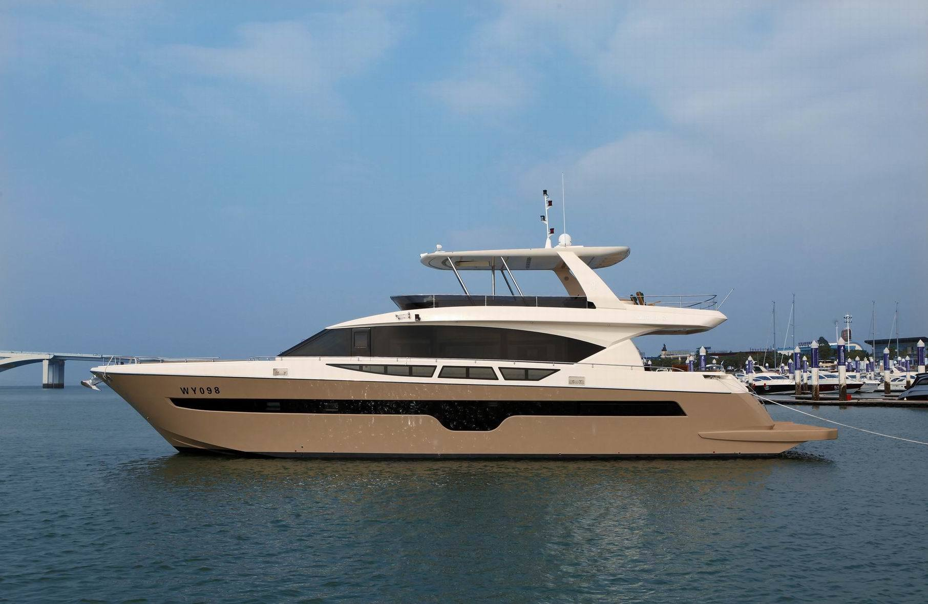 85ft Luxury Motor Yacht (Sea Stella 85)