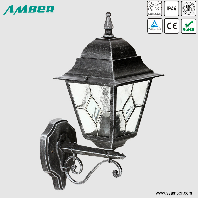 Four Side Outdoor Garden Light with Lead Glass Diffuser