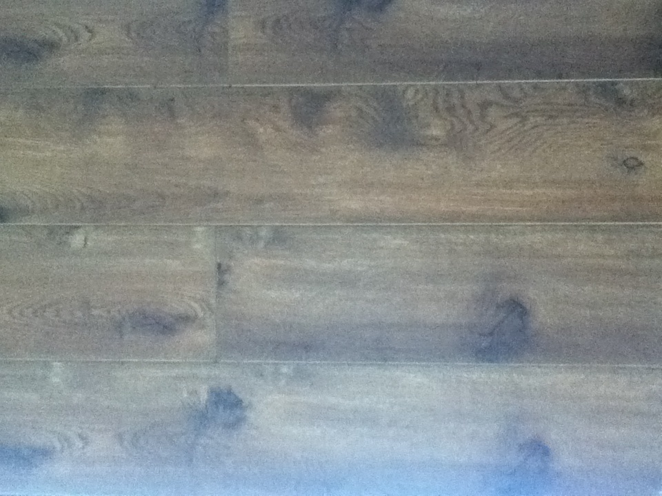 Laminate flooring laminate flooring choice color for Floor finishes definition