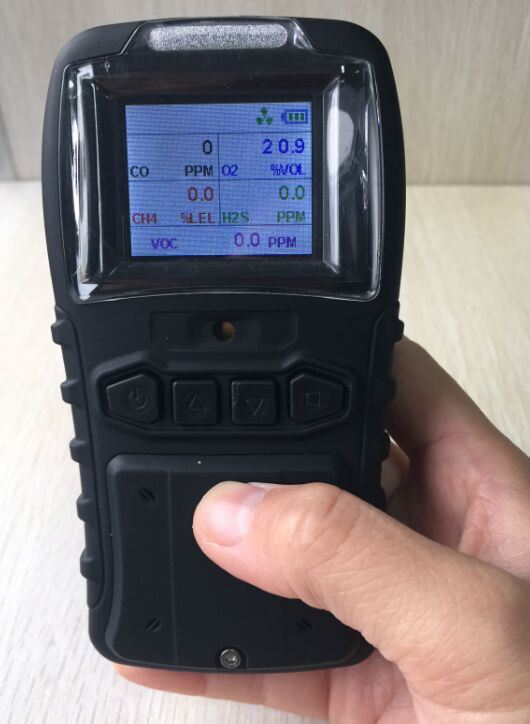 Ce Certified Lithium Battery Portable 4 in 1 Multi Gas Detector