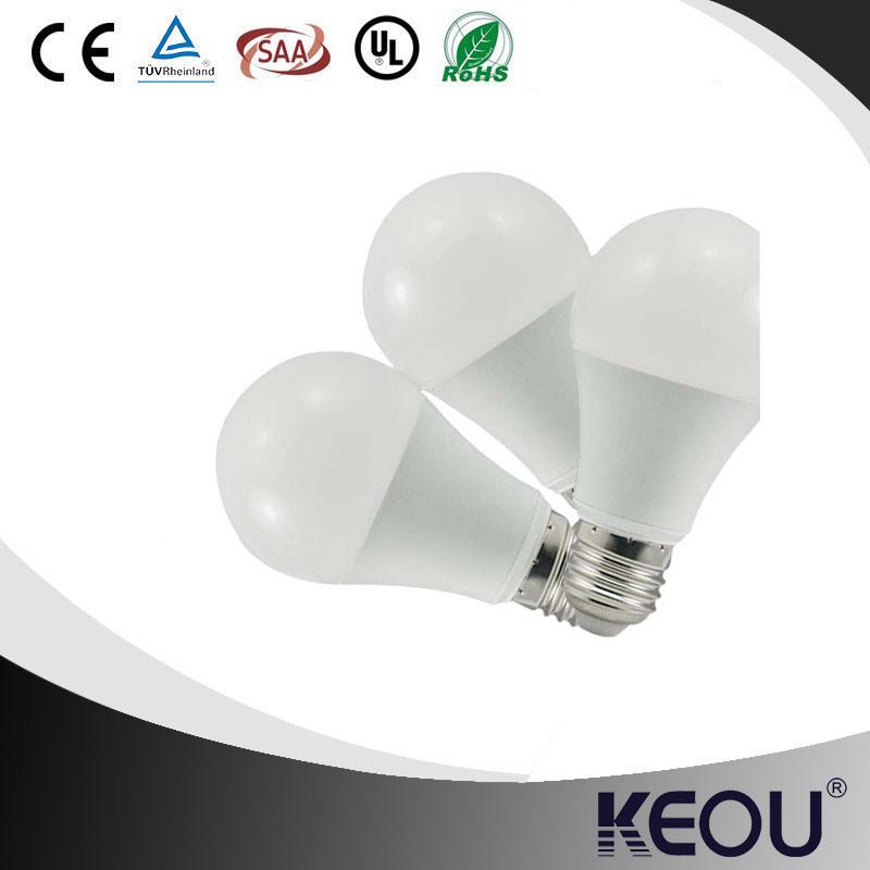A60 A19 E27 LED Bulb with Plastic and Aluminum Material