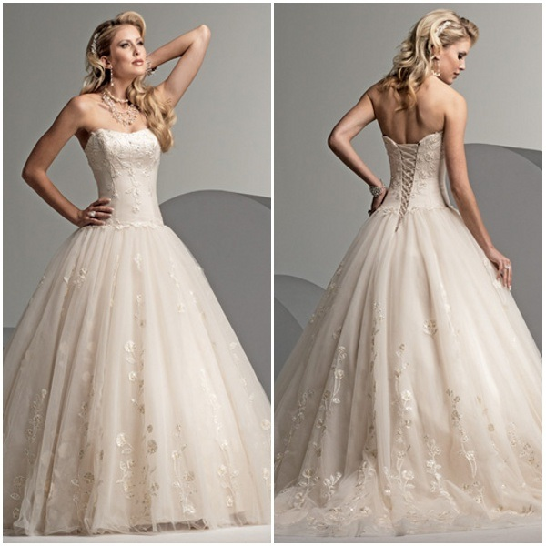 Strapless wedding dress with lace up back for Wedding dresses with lace up back