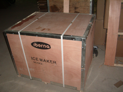 200kgs/24hrs Ce Approved Food-Grade Cube Ice Machine