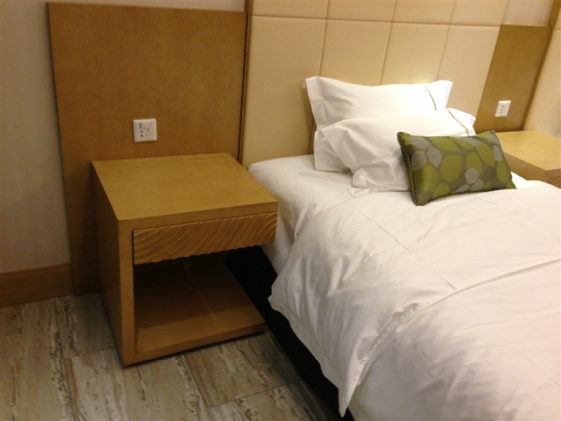 Hotel Furniture/Luxury Double Bedroom Furniture/Standard Hotel Double Bedroom Suite/Double Hospitality Guest Room Furniture (NCHB-GL001001)