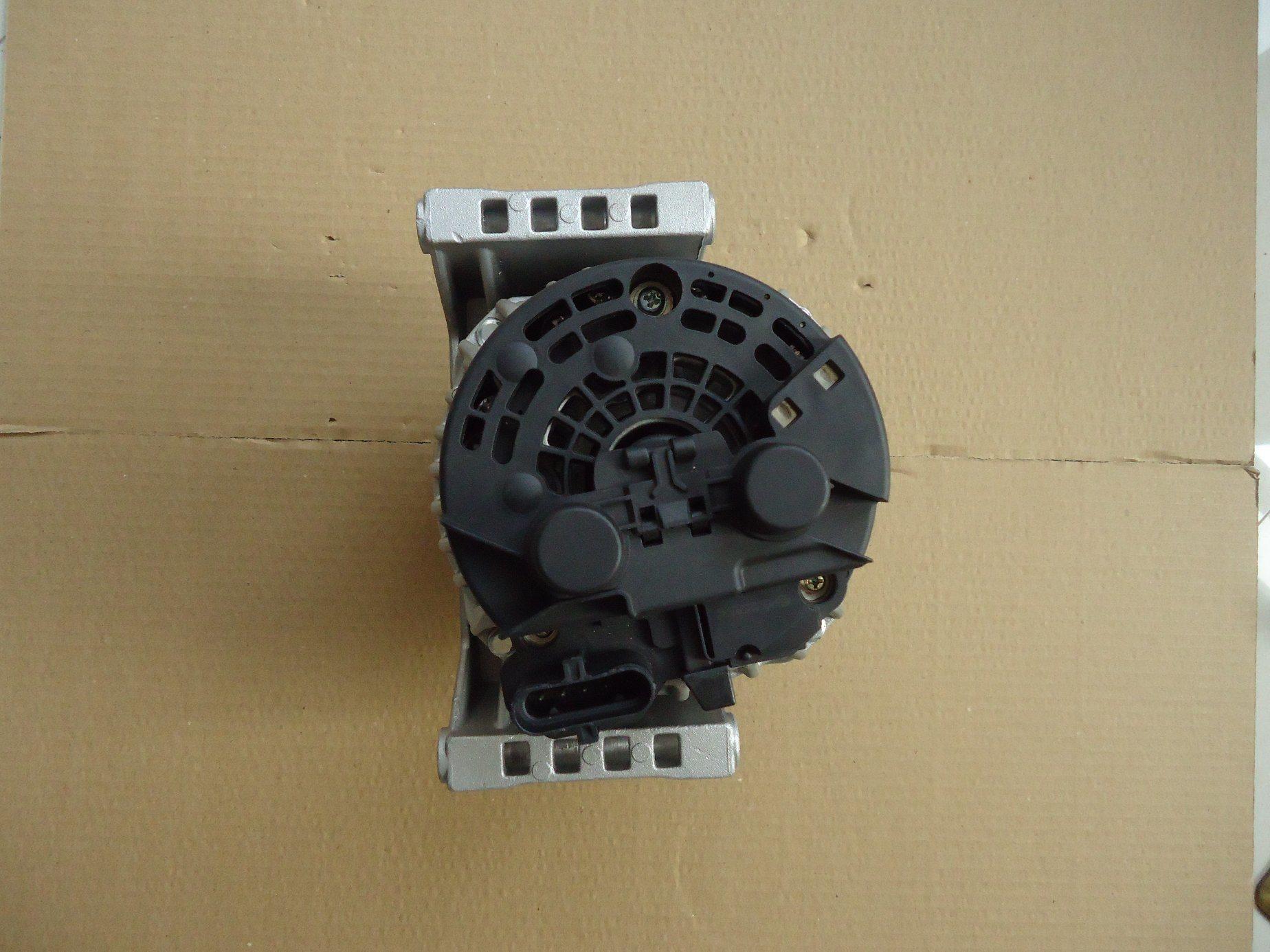 AC/ Auto Brush Alternator with Daf 0124555018 24V82A