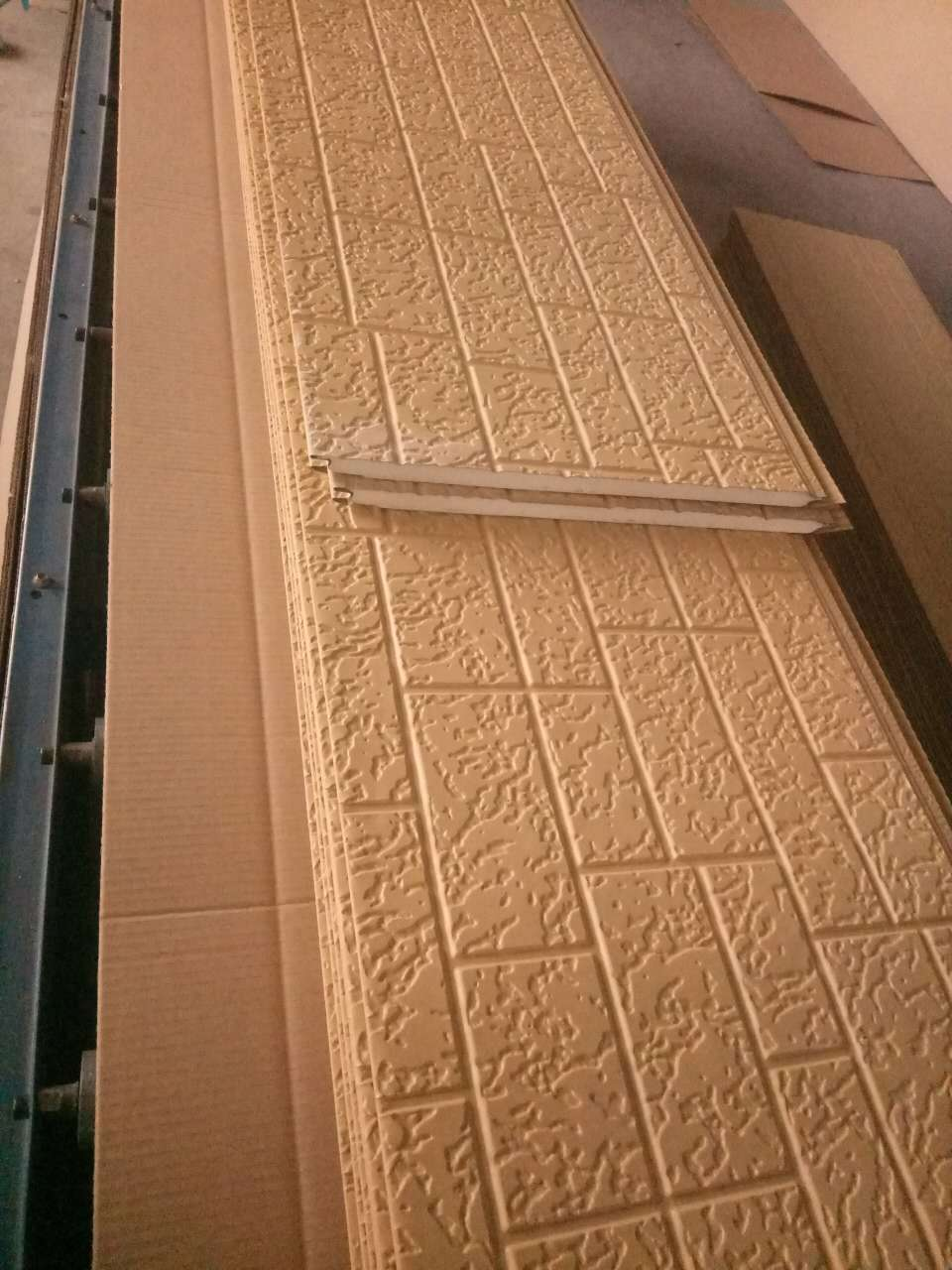 Cheap Price Factory Direct Sell Homes and Apartments Insulated Panel